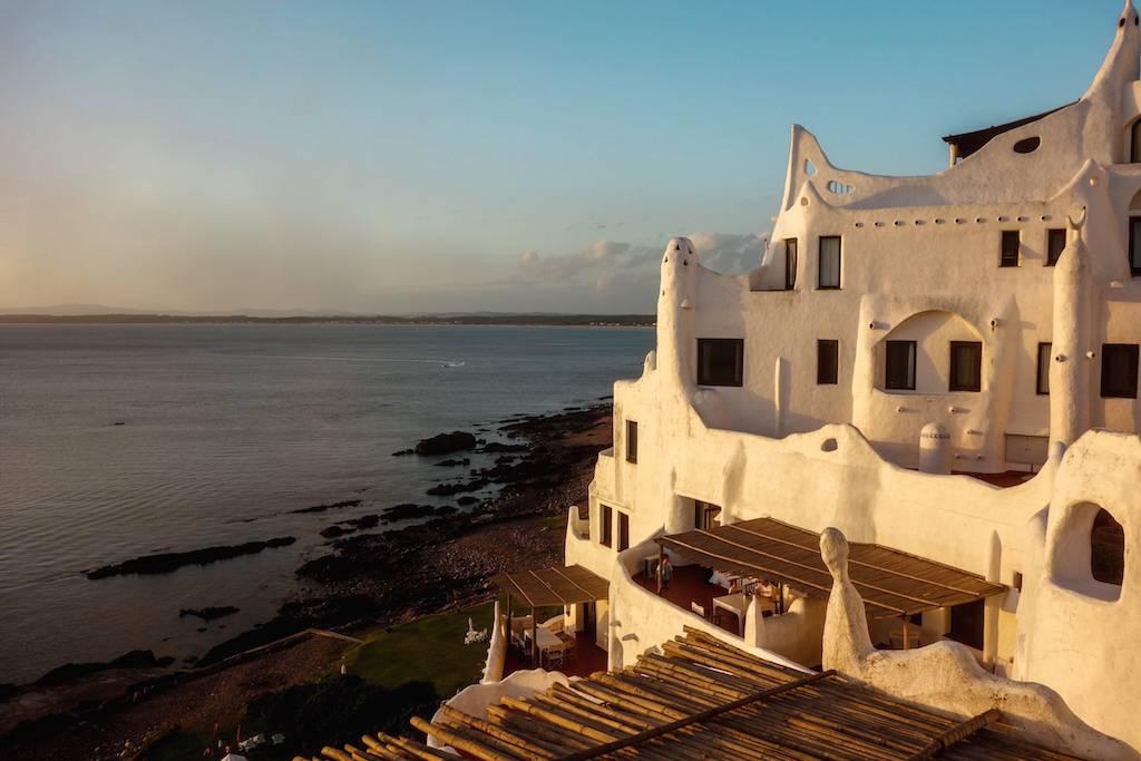 hotel-casa-pueblo-uruguai