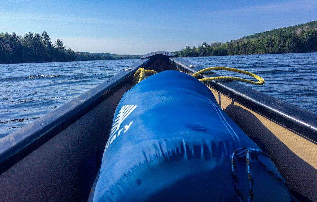 canoa-camping-lago-la-peche