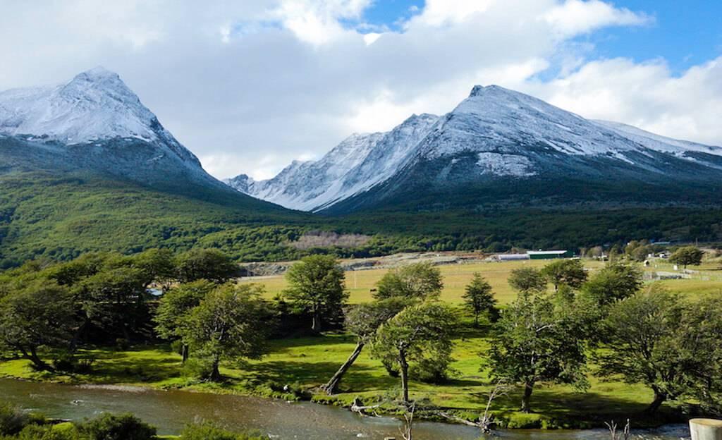 montanhas-picos-nevados-ushuaia-tierra-del-fuego-argentina