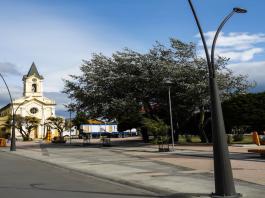 plaza-das-armas-puerto-natales-patagonia-chile
