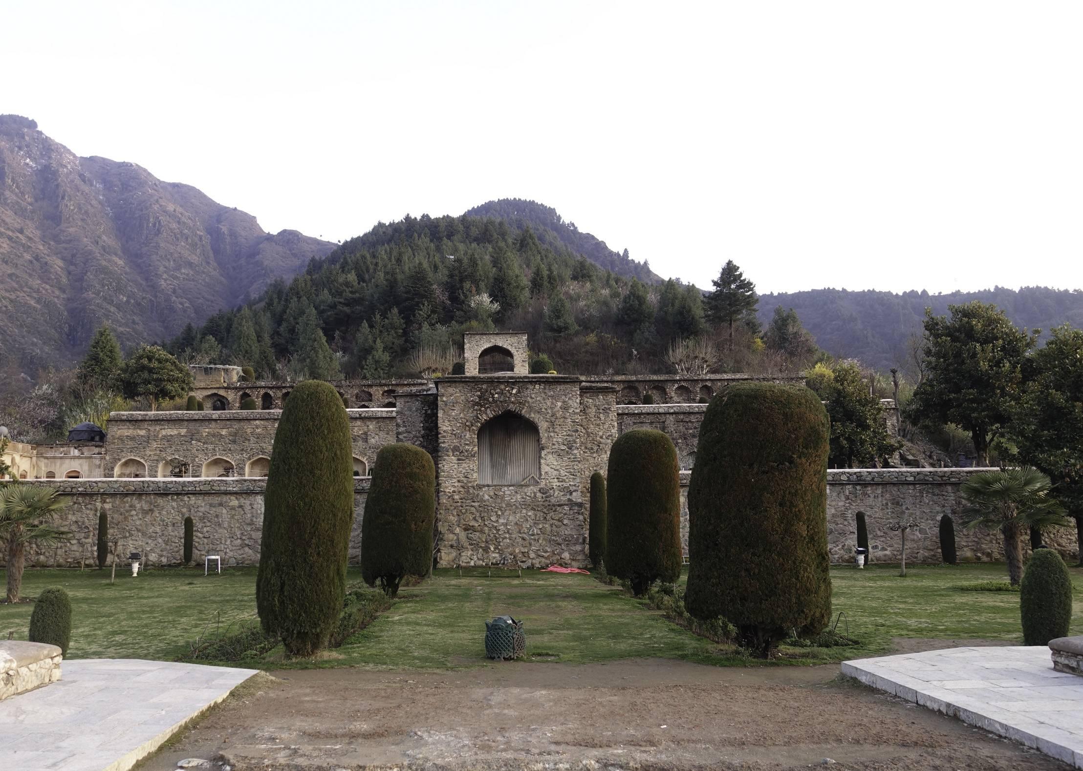 fort-pari-mahal-srinagar-kashmir