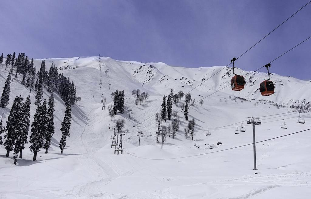 ski-gulmarg-srinagar-india