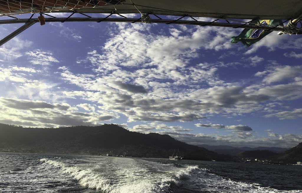 fast-boat-ilha-grande