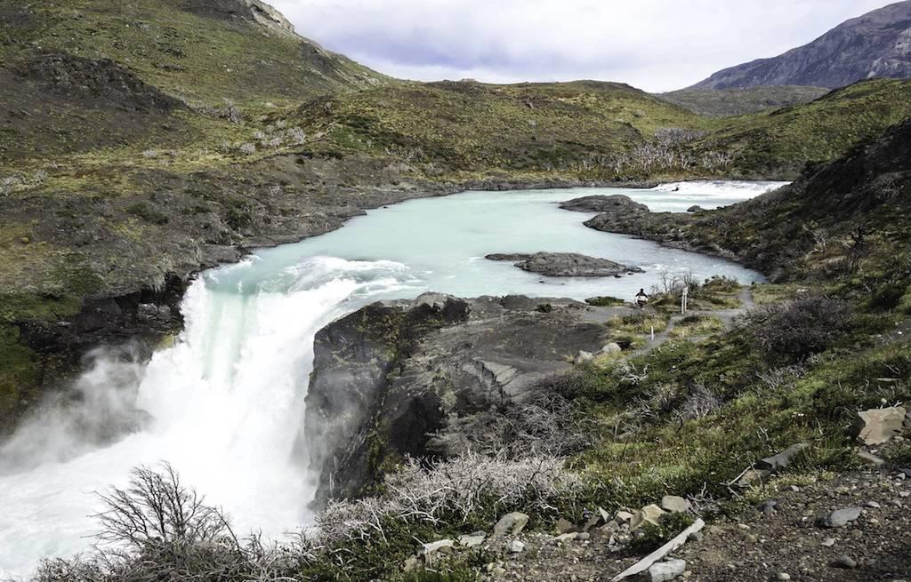 cachoeira-salto-grande-torres-del-paine