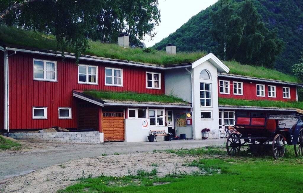 hi-hostel-sustentabilidade-telhado-verde-noruega