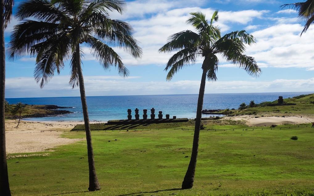 praia-de-anakena-ilha-pascoa
