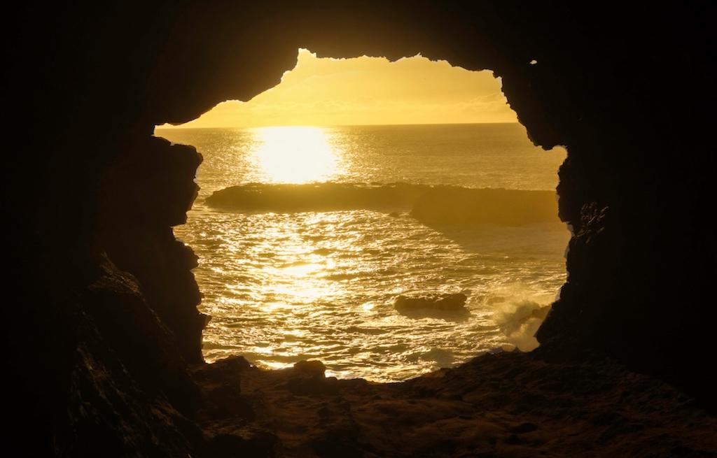 caverna-ana-kakenga-ilha-de-pascoa