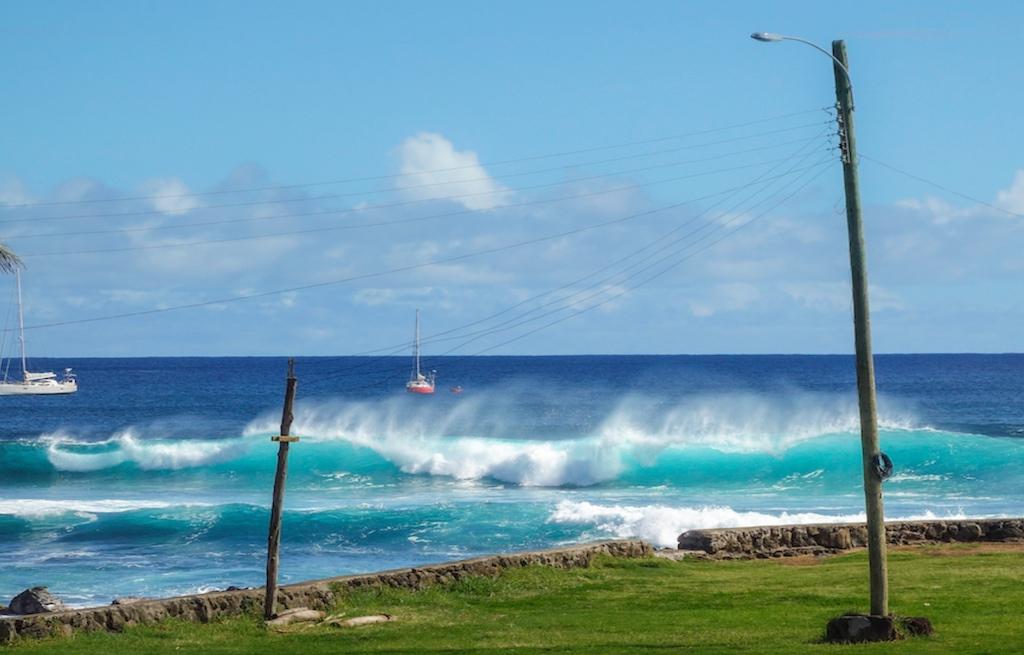 rapa-nui-waves-ondas