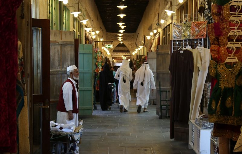 mercado-noturno-stopover-doha-qatar-airways-viagem